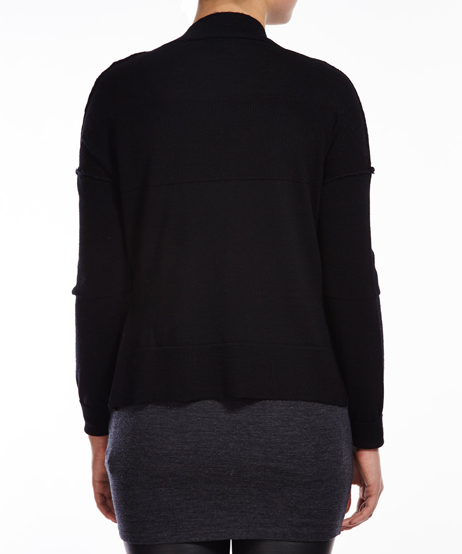 Authentic Womens Merino Knitwear. Most extensive selection of New Zealand made products. Fast world-wide delivery.