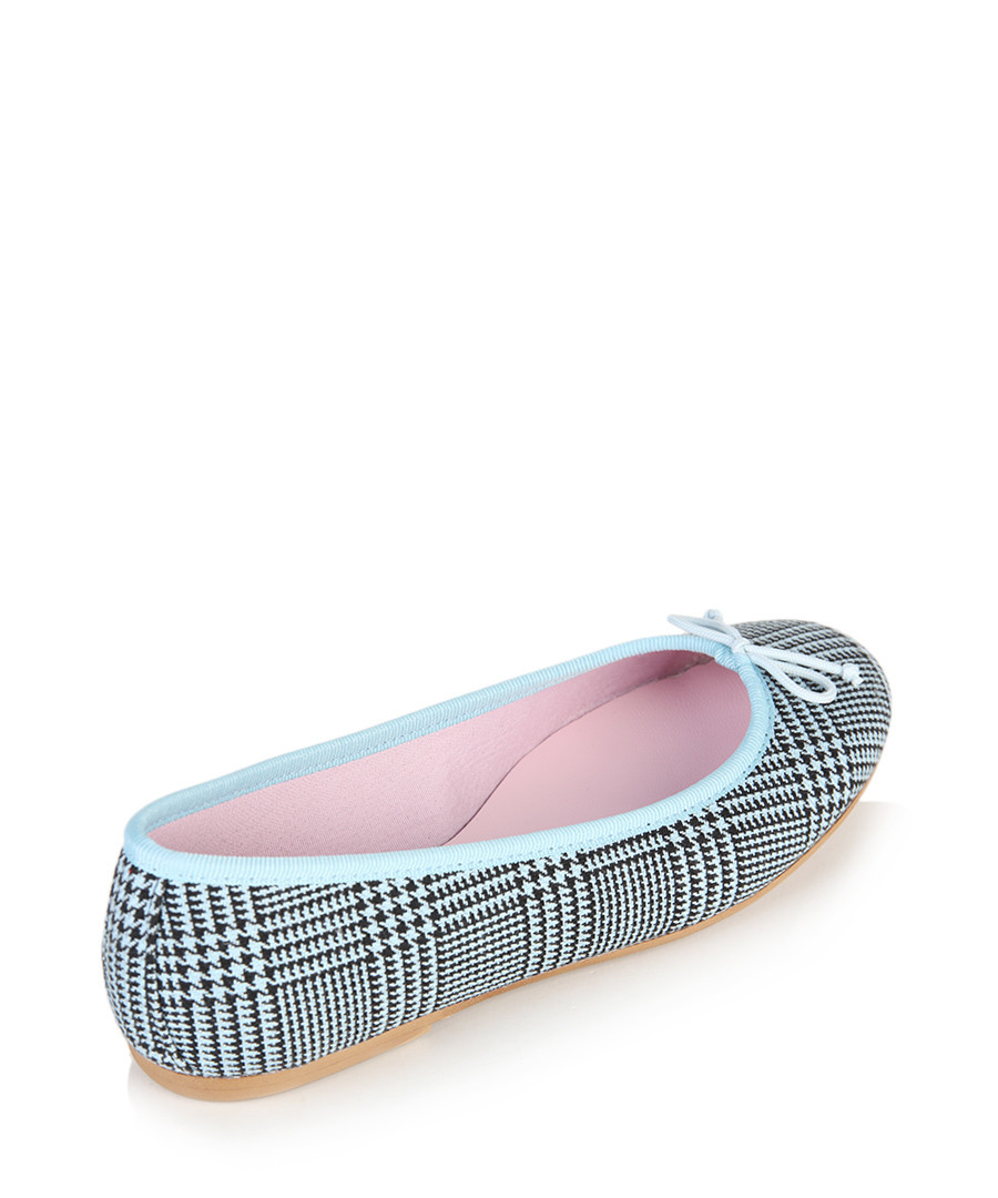 Find light blue ballet flats at ShopStyle. Shop the latest collection of light blue ballet flats from the most popular stores - all in one place.
