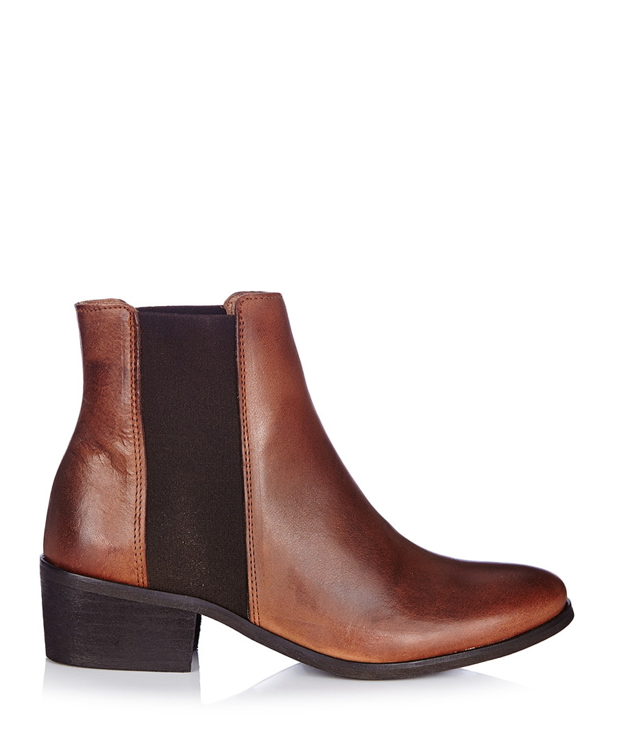 discount becca new cognac leather chelsea boots secretsales. Black Bedroom Furniture Sets. Home Design Ideas
