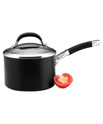 Black steel non-stick saucepan 18cm