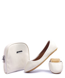 Cream foldable flats & bag