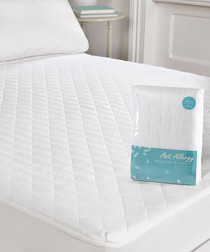 Image of Anti-allergy single mattress protector