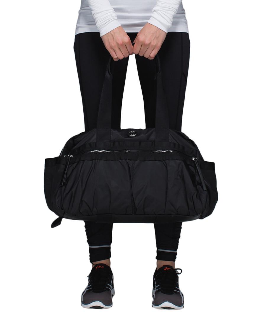 Lululemon Duffel Bag Gym  62ceb76cd4e42