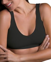 Black wireless shaping bra