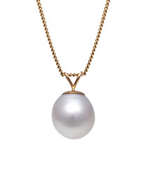 1cm white pearl & 9ct gold necklace