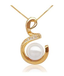 White Freshwater Pearl Spiral Pendant and yellow gold plated