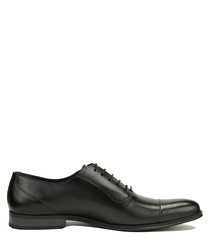 Black leather lace-up Oxford shoes