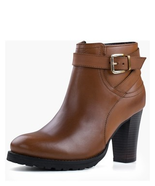 2acc842273c95 Women Designer Footwear Sale   Designer Discounts   SECRETSALES