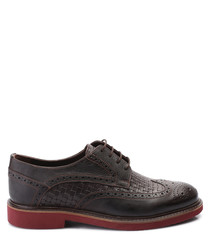 Brown leather weave-effect brogues