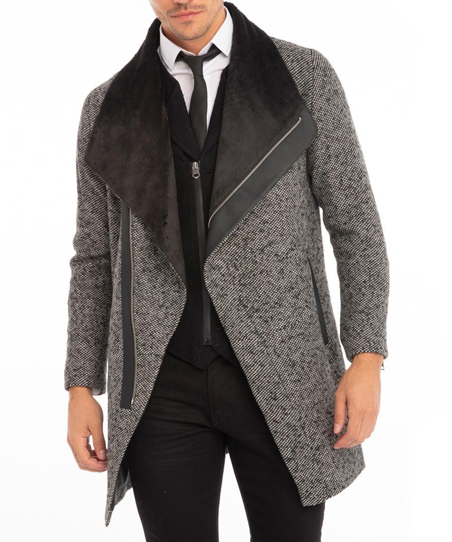 نتيجة بحث الصور عن Man + Wide Collar Coat