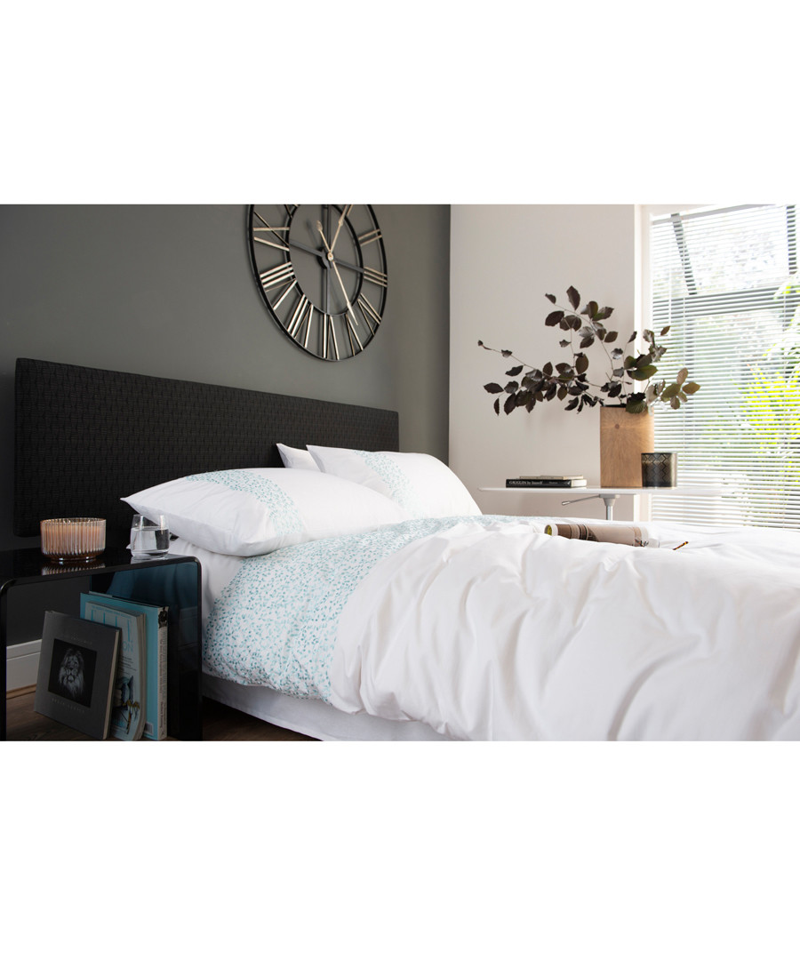 White & aqua cotton double duvet set Sale - lyndon