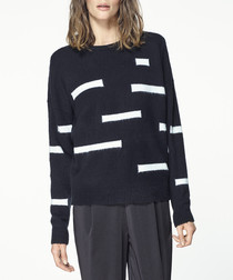 Monochrome patterned jumper