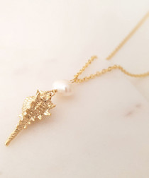 14k gold-plated shell pendant