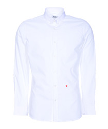 White heart stitched button-collar shirt