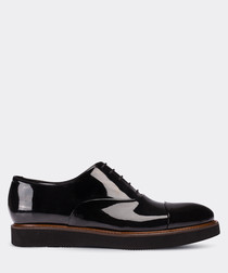 Black patent leather Oxford shoes
