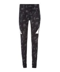 Explosive greyscale graphic leggings
