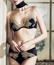 Black & cream lace lingerie set