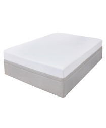 Flannelette white s.king fitted sheet