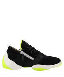 Light Jump black leather sneakers
