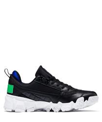 Trailfox black sneakers