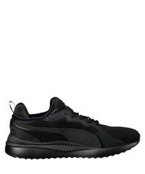 Pacer black sneakers