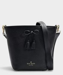 Hayes Street Vanessa black bucket bag
